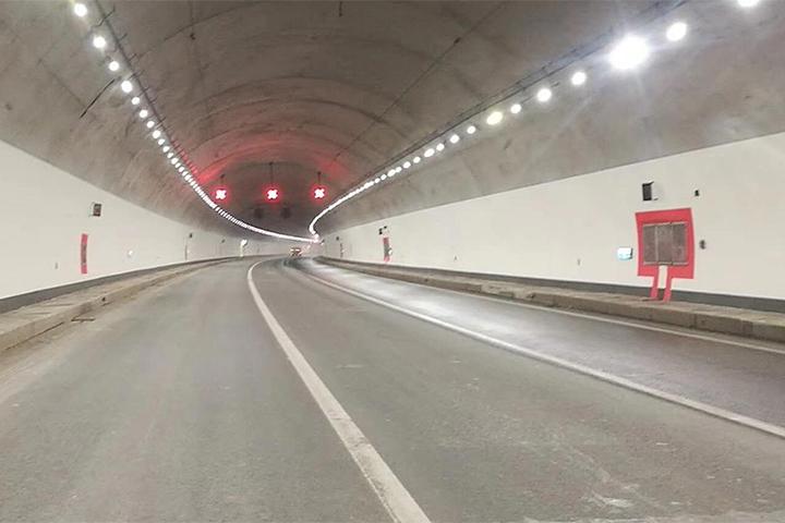 重庆九永高速缙云山隧道项目